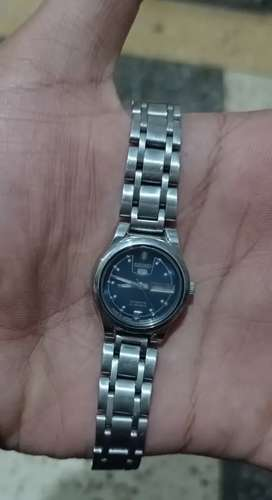SEIKO 5 Automatic watch with date and day