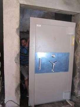 Pintu Khasanah Safe Kalimantan Tarakan Pintu Bank Vault Door Pintu Klu