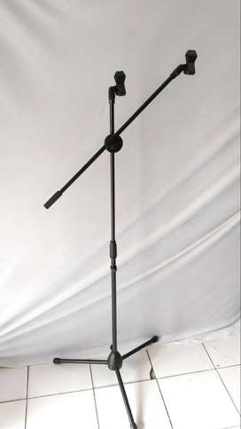 stand mic hitam 2 holder 180rb