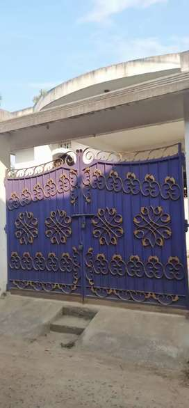 4 bhk house for rent.