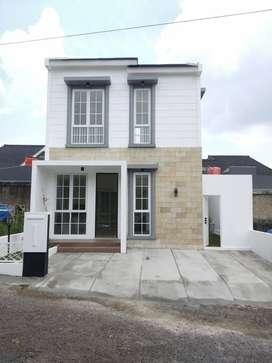 Rumah Mewah 2 Lantai Siap Huni dekat Bypass Tanjung Senang