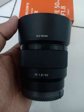 Lensa sony FE 50 mm Muluss lengkap box