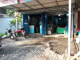 Dijual tempat usaha ada WC didalam, parkir luas harga MURAH bisa KPR
