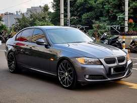 BMW 320i 2010 LCI / E90 / Facelift / Mint Condition / Like NEW