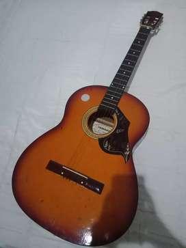 Gitar Kondisi Bagus