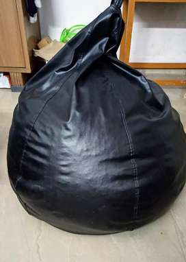 XXXL bean bag (3 months old, unused for 2)