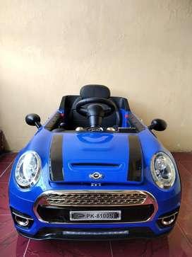 Mobil mainan anak aki merek Pliko