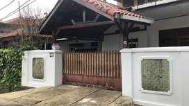 Dijual Cepat Rumah Buaran posisi hoek dan lokasi perumahan mewah