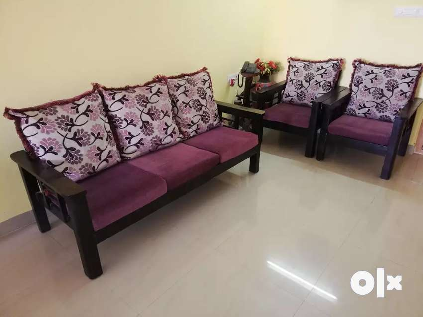 Sofa Set with cushions 0