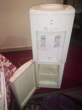 Used water Dispenser in very good condition.