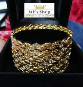 New Designed #Gold #Plated 06 Pieces of #Bangles