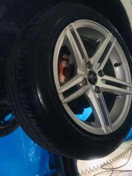 """15"""" inchi Alooys with tyre 2000kms running"""