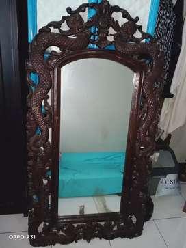 Cermin ukir jati kuno