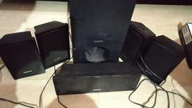 Sony Home theaters 5  speakers woofer  only
