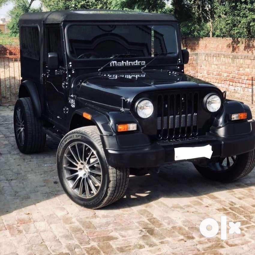 Mahindra  black modified jeep 0