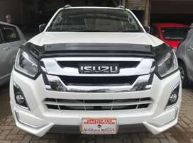 Isuzu Dmax V cross Automatic 3.0 2020 . on easy installment .