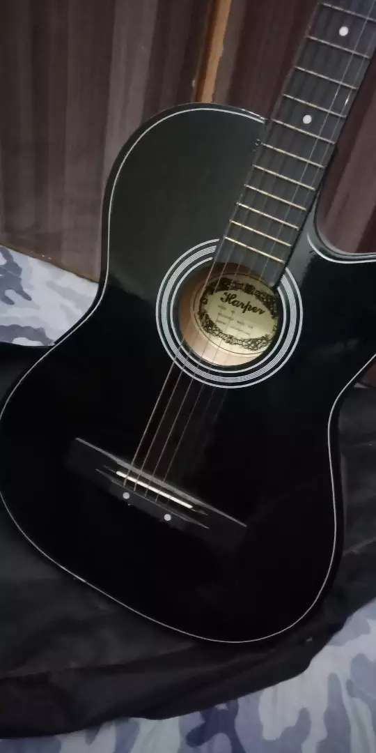 Acoustic Guitar with Bag 0
