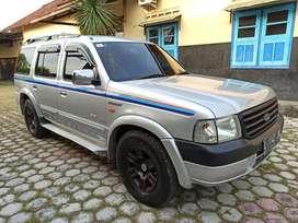 Everest 2.5 Diesel Turbo XLT 4WD Pajak murah 2jt an harga nego