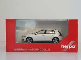Diecast VW Golf MK7 4 Doors White