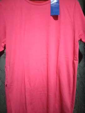 Men t shirt H&M at a price of 400