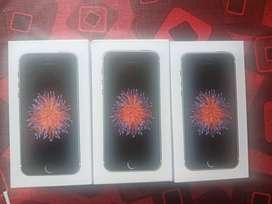 iphone se 64gb new sealed pack and warranty low price