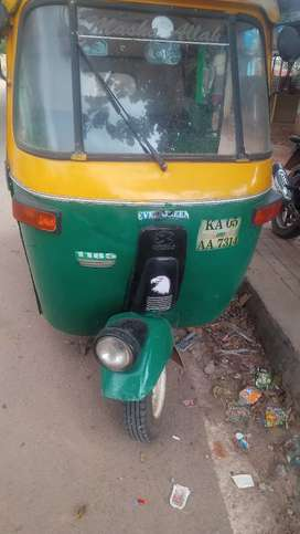 Need auto driver with good driving skills urgently