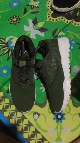 Sepatu running lecoq sportif