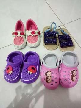Sepatu dan sendal baby