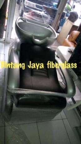 kursi keramas jok hitam rangka silver atau bak keramas salon
