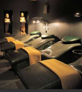 Spa therapis