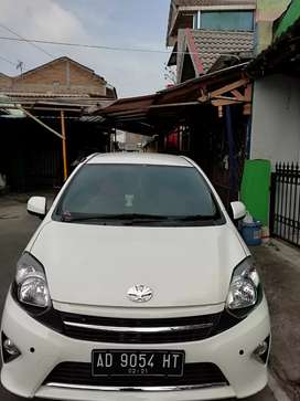 Dijual Toyota Agya Second Rasa Baru