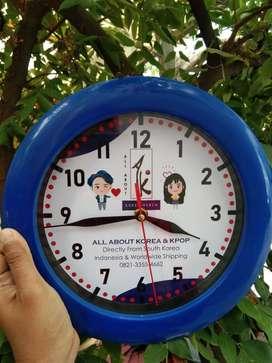 Souvenir Jam Dinding Promosi Ulang Tahun Perusahaan Foto Desain Custom