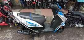 Honda Dio BS4 white and blue less ran