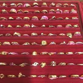 Menerima perhiasan bentuk apapun, bisa COD