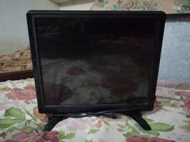 Led TV 10/10 5000rs only