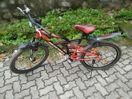 SALE MY 9 MONTH OLD CYCLE  NEW CYCLE