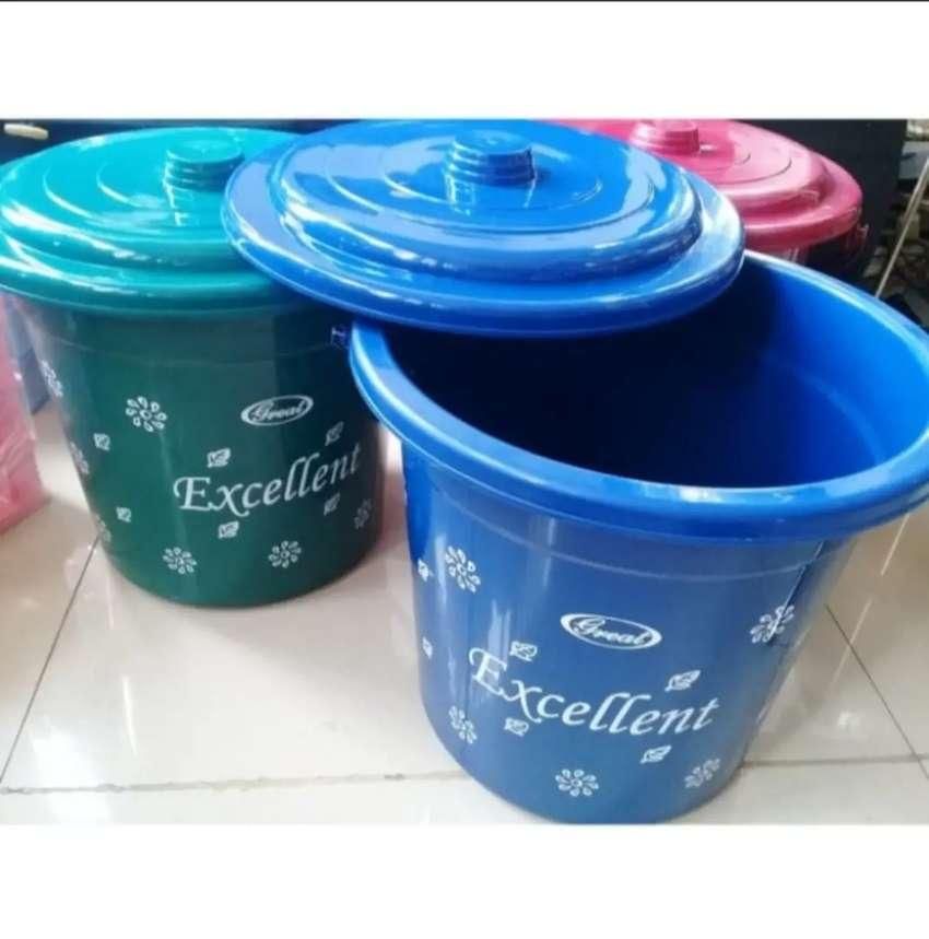 Ember air plastik 4 galon EXCELLENT 0