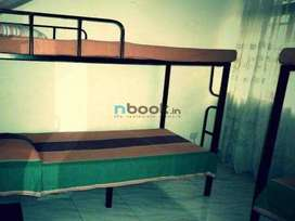 Furnished and well cleaned rooms availabe near Kaloor Homely food