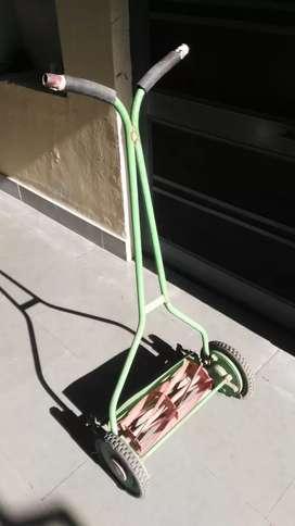 Lawnmower machine