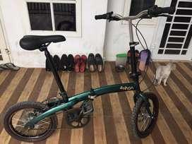 Sepeda Lipat Hijau