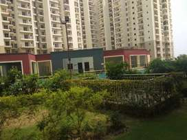 2 BHK Unfurnished flat on rent in Paramount emotions