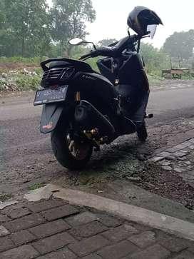 Yamaha nmax 2019.