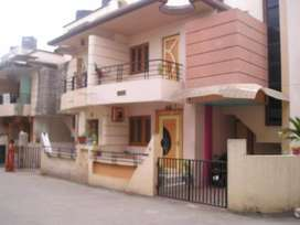 4 bhk Semi furnished Raw house for Rent