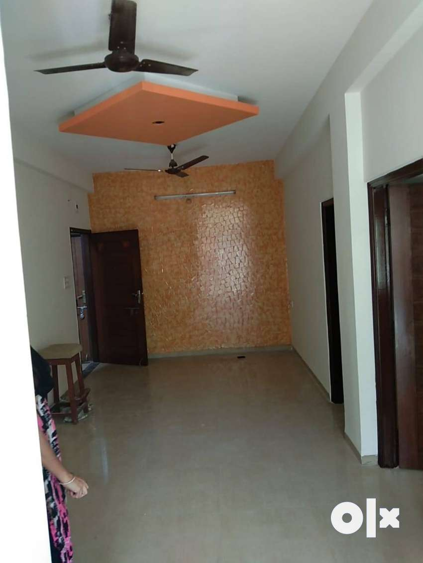 2BHK flat available Rent 11800 in Bengali square 0