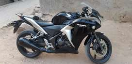 cbr perfect condition selling bcoz upgrating to latest version