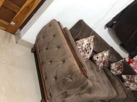 Only 6 month old sofa brand new quality