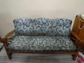 Sofa 3+1+1+ coffee table