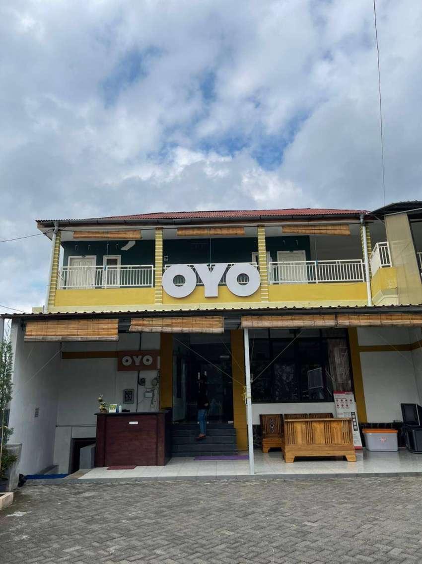 Rumah penginapan 3 lantai view bagus Jl Raya Tlekung Batu