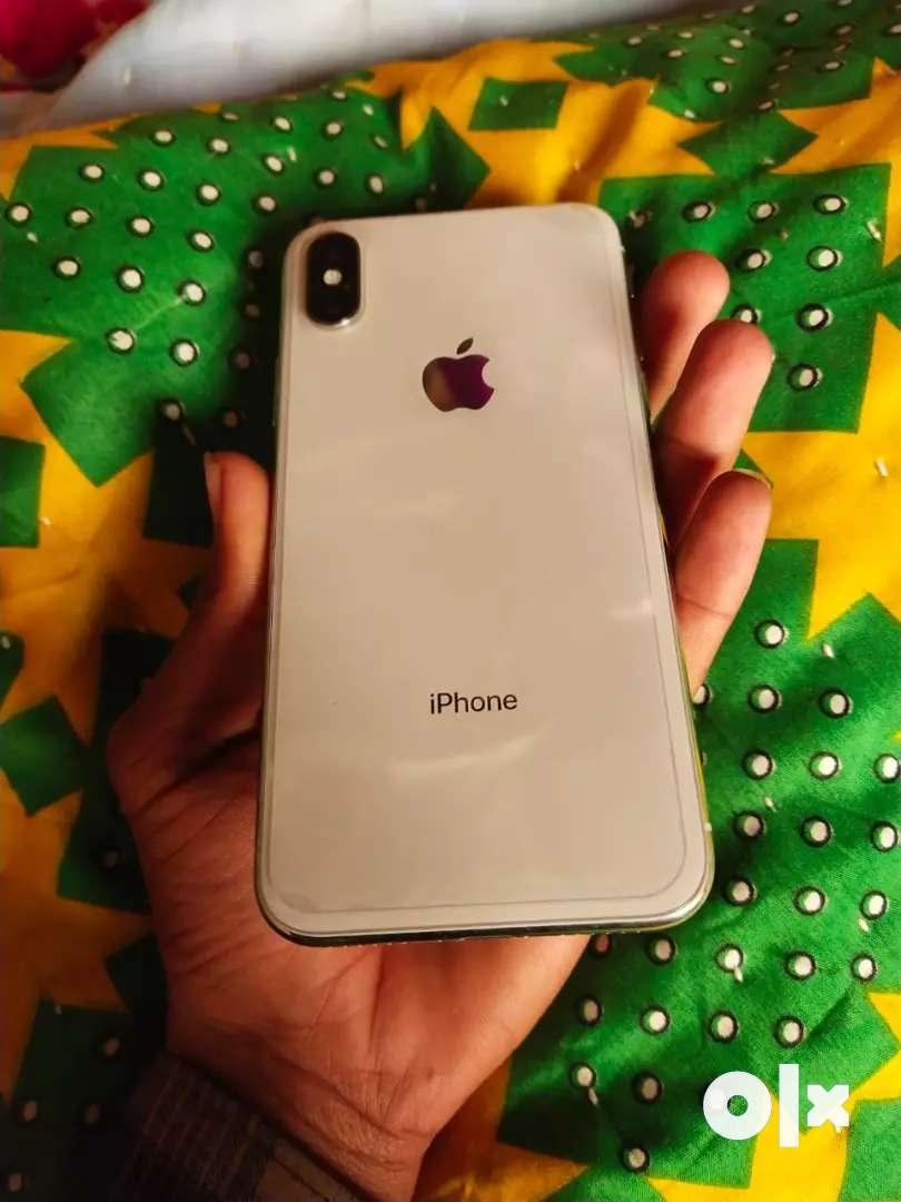 IPhone x 64 GB silver colour 0