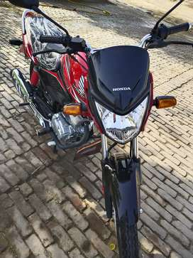 Cb125f special edition 2000km only